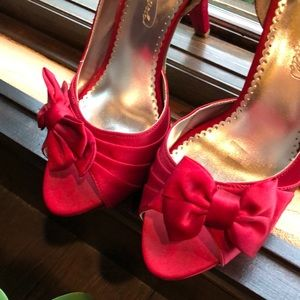 Red satin high heel size 8 medium